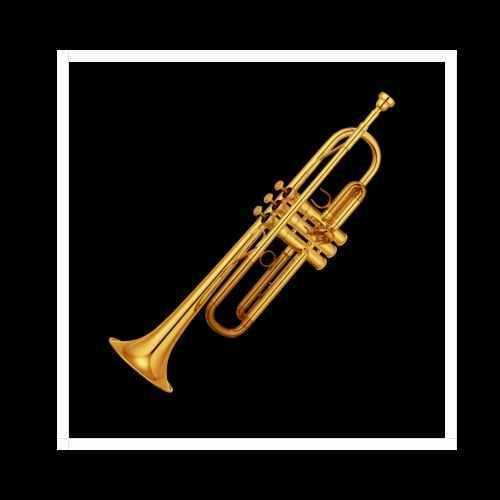 foto cuadrada trompeta fondo negro